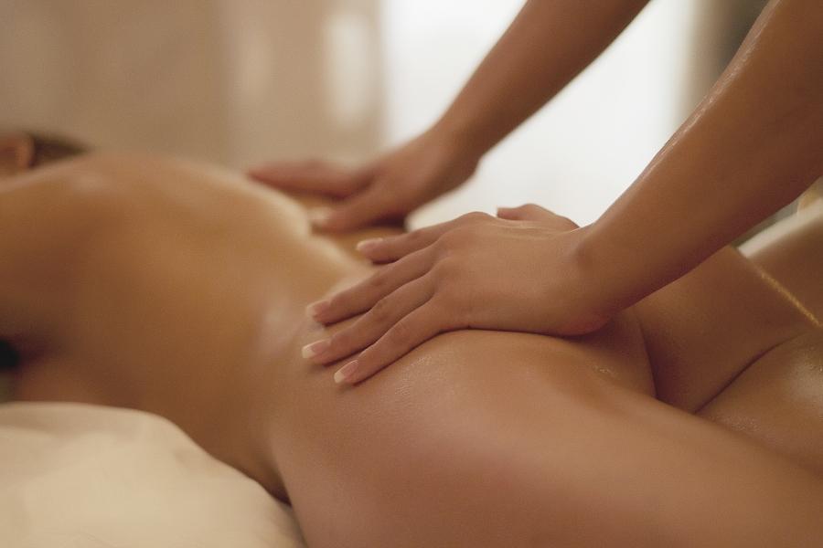 online masáž zadní sex